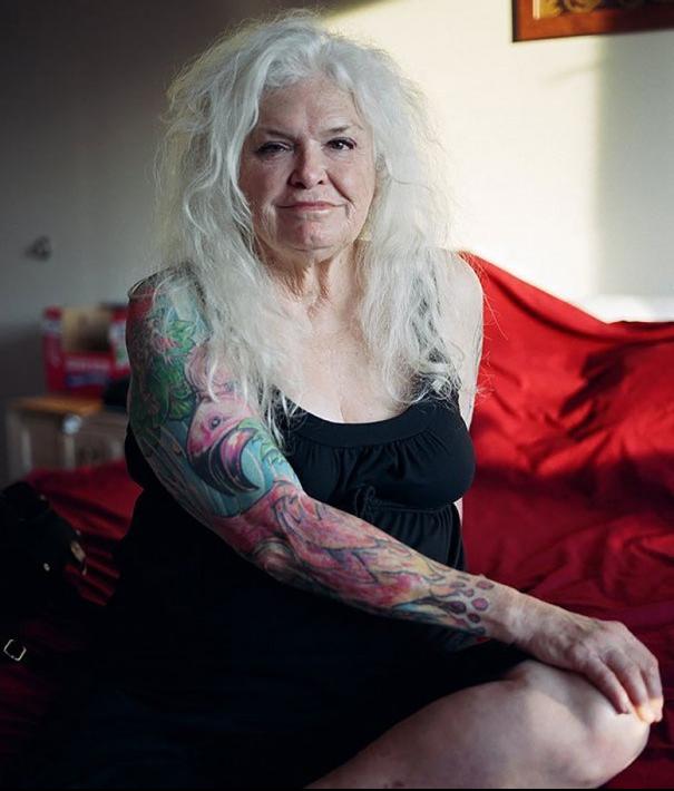 Cómo-se-ven-los-tatuajes-en-personas-mayores-18-605x750